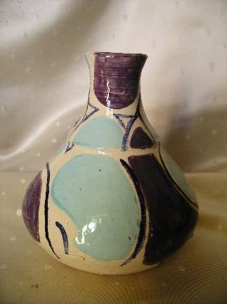 :Vase tourné  décors engobe de Michèle